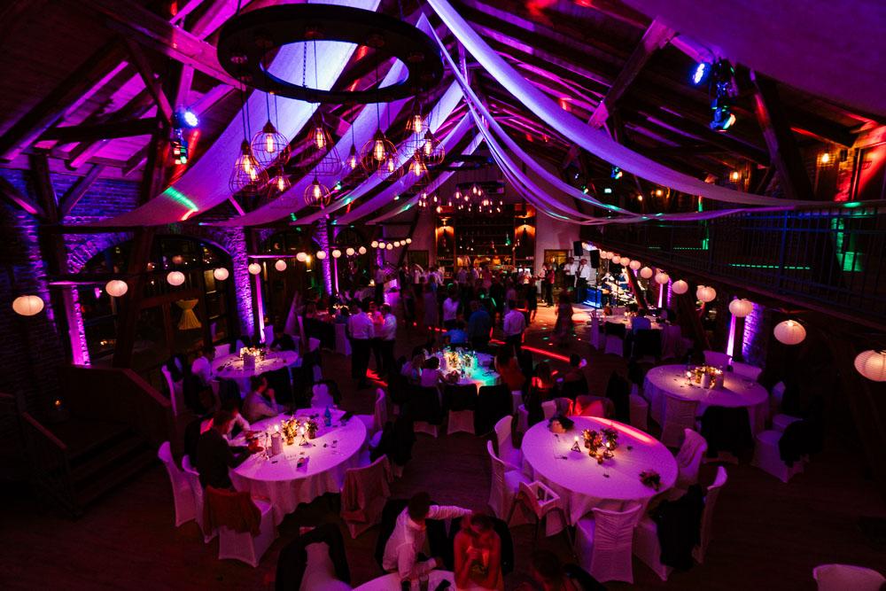 Hochzeitsfotograf-Hochzeit-Hochzeitsfotos-Hof-Frien