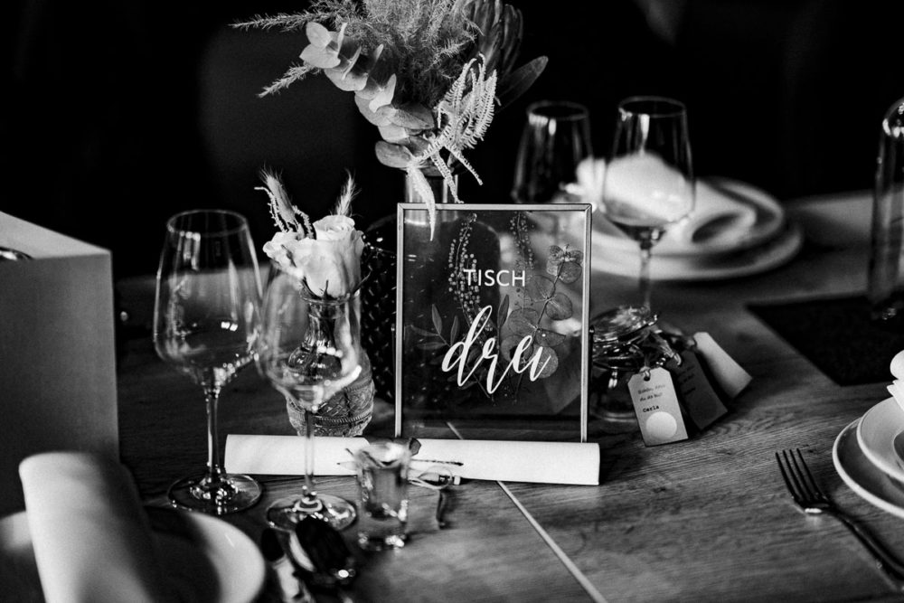 Hochzeit im Kabelwerk B64 Deko Blumen