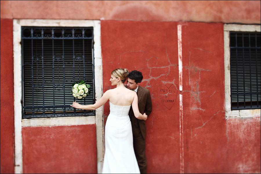 Kreative Posings für Brautpaare